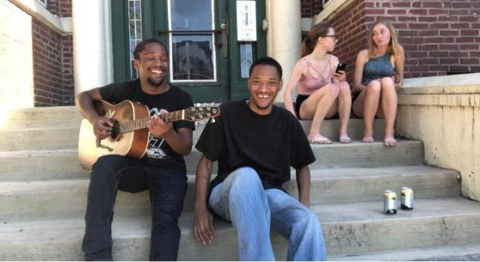 Jevonte Daykofa & The Kids Are Animals ! come together for an acoustic vibe session